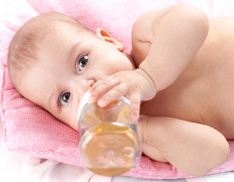 вода на бебето, вода, бебе, списание родител, roditel.bg