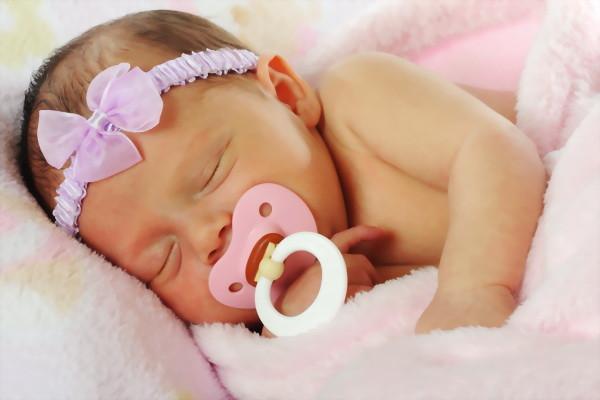 биберон залъгалка, бебе, плач, списание родител, родител.бг, roditel.bg, дете, родители
