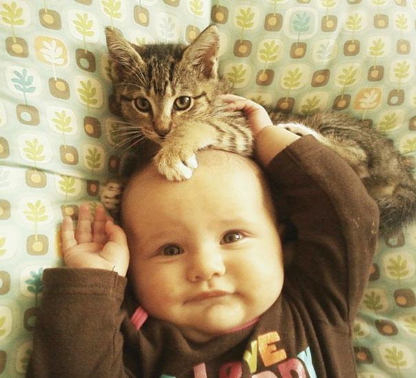 Деца, котки, трогателни снимки, Списание Родител, Родител.бг