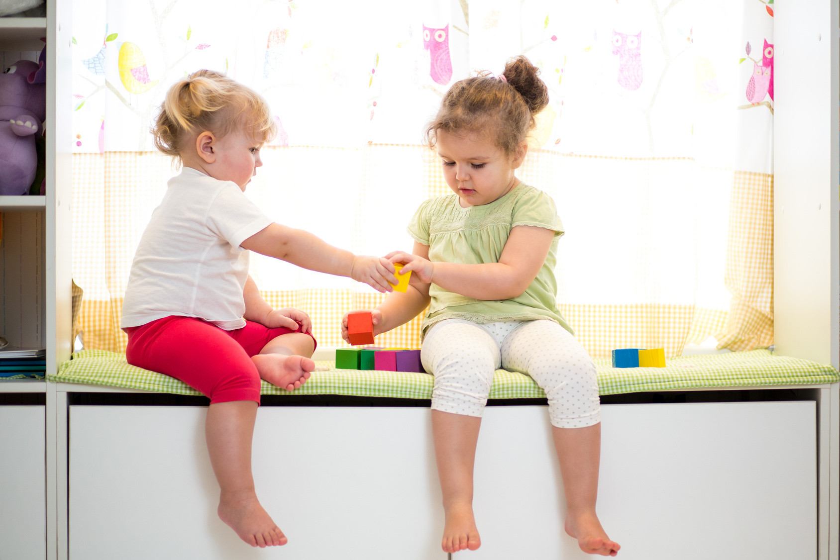 деца, споделят, играчки, споделяне