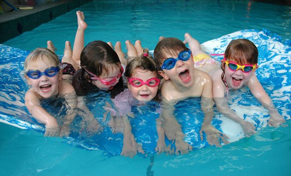плуване деца