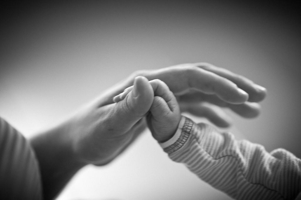 дете родител ръце