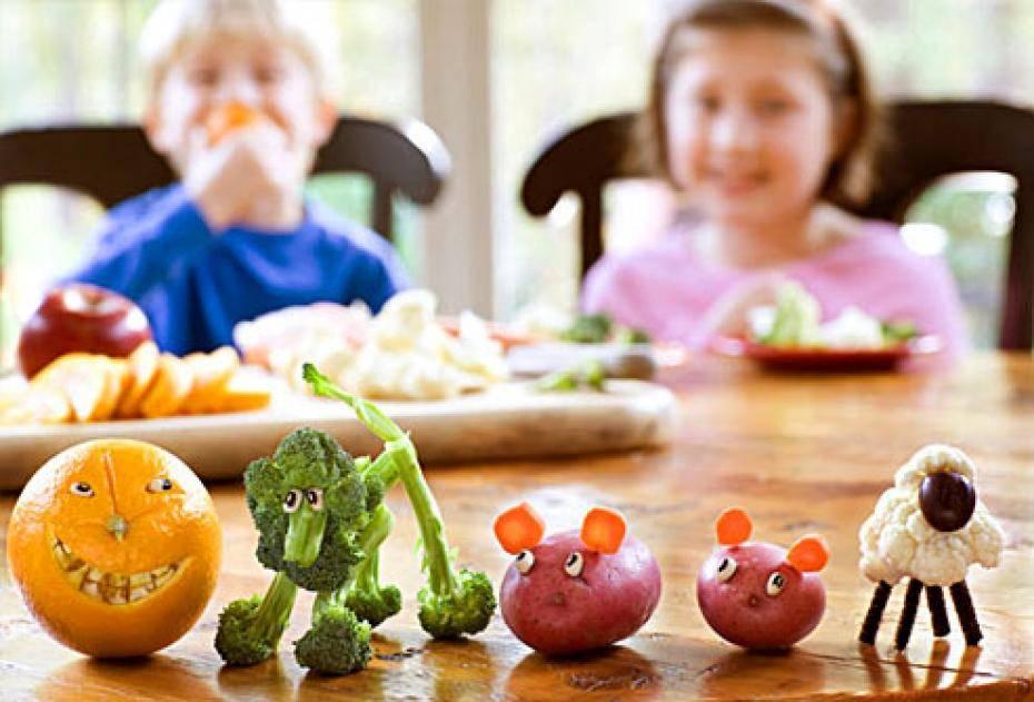 хитрини хранене дете