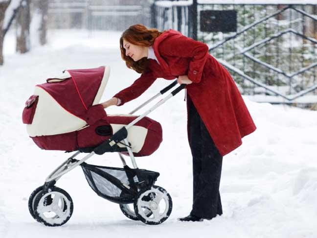 зимна разходка бебе закаляване