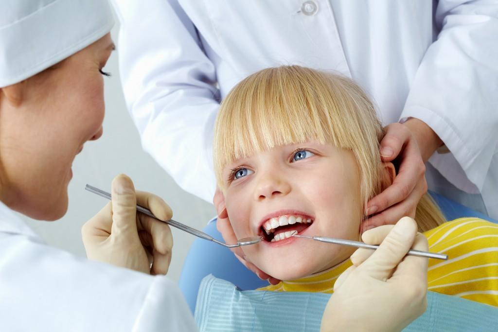 стоматолог детски зъби