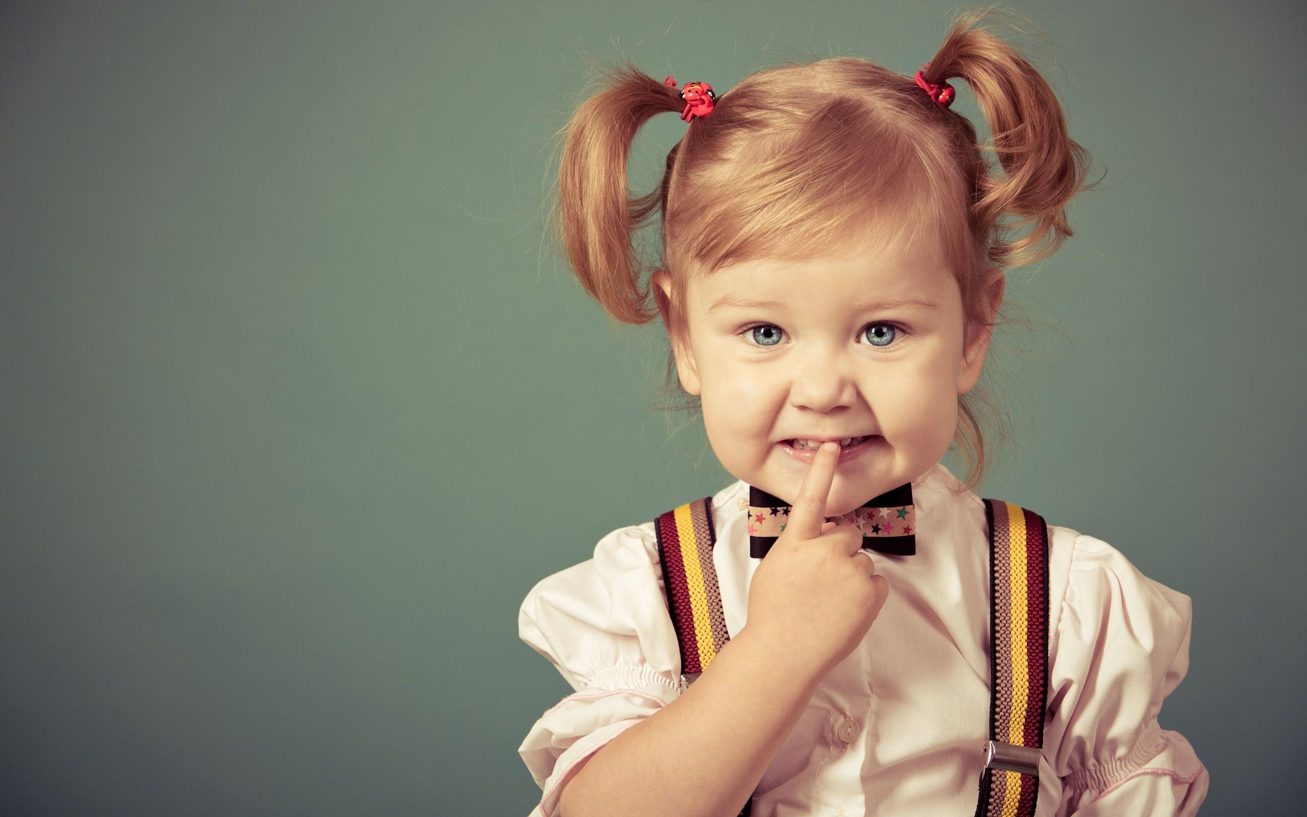 дете момиченце