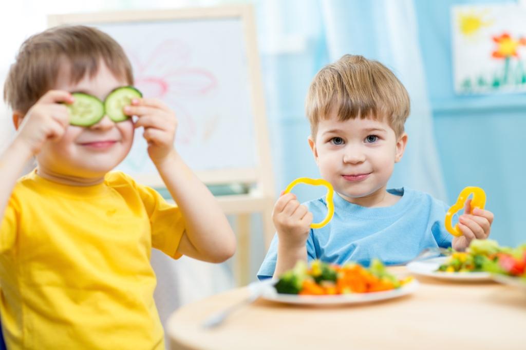 хранене храна дете