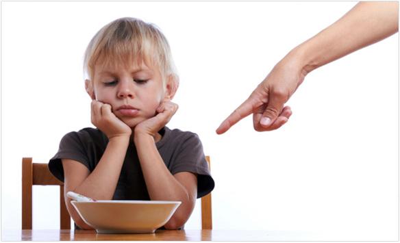 дете насилствено хранене