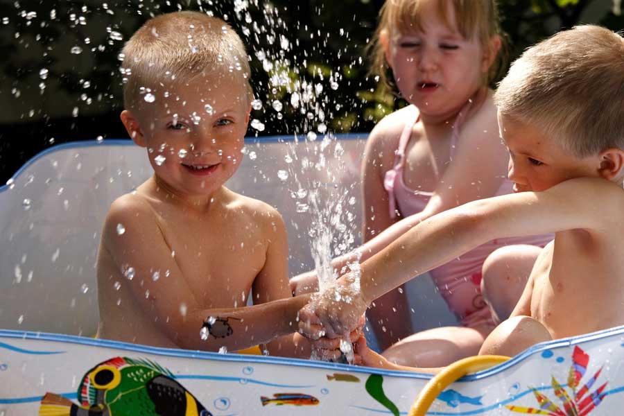 деца летни жеги