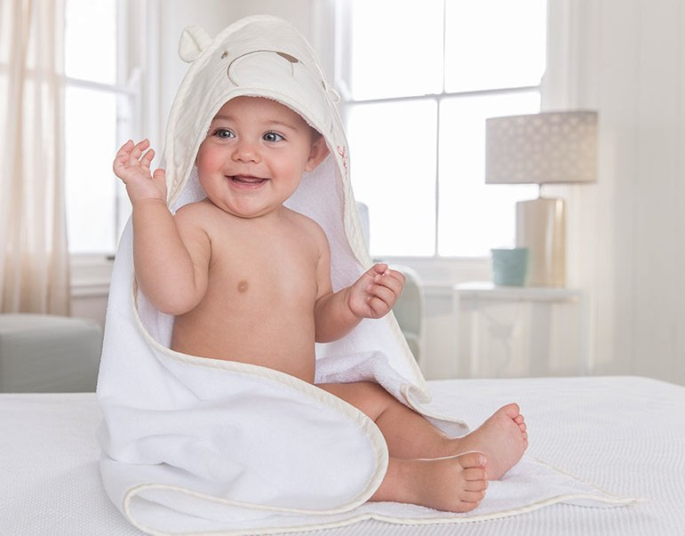къпане бебе