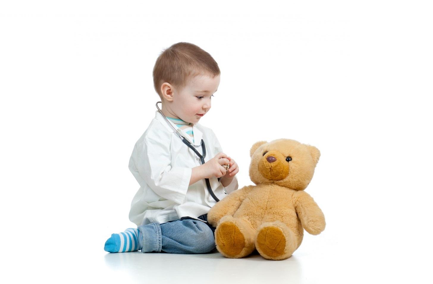 преглед дете доктор болести лекар