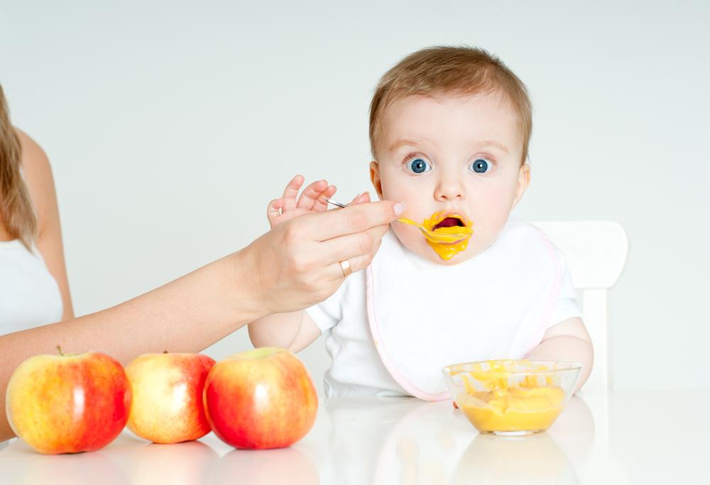 захранване бебе съвети педиатър
