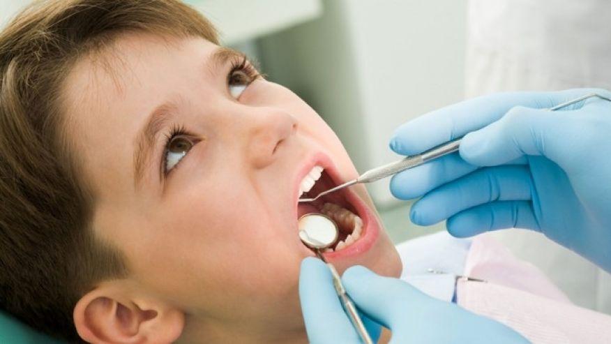 дете кариес зъби