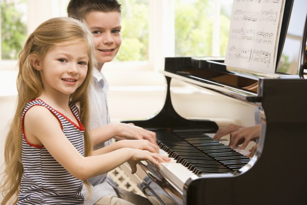 dete-urotsi-po-piano