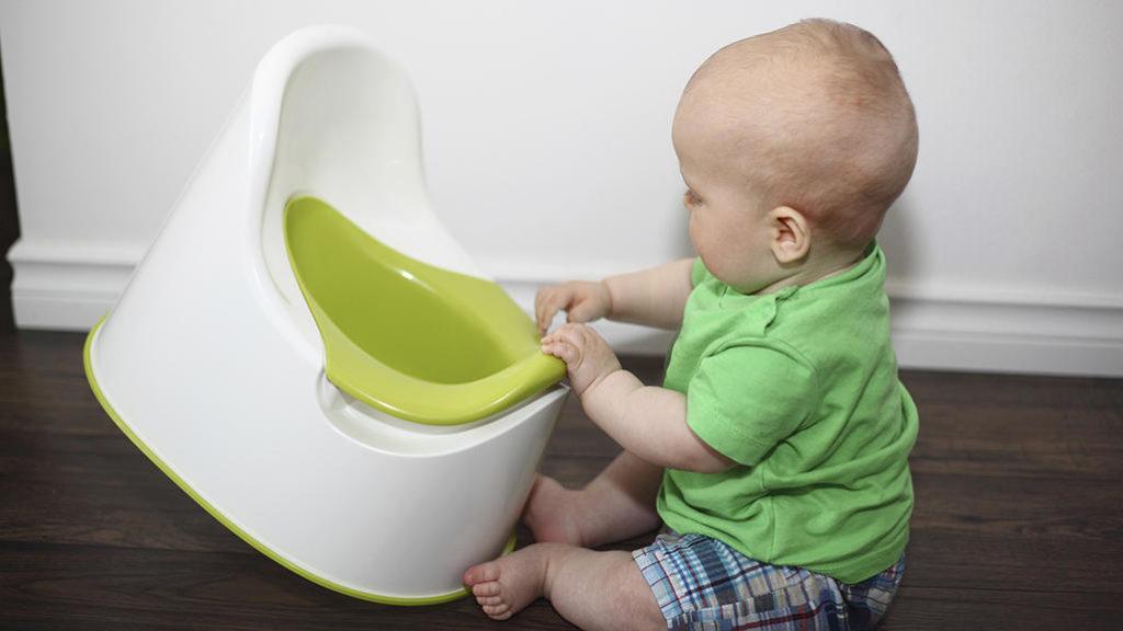 бебе гърне приучаване пелени
