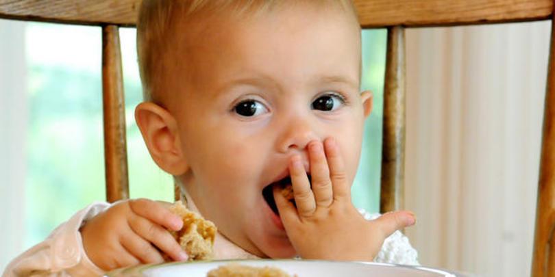 захранване зърнени храни глутен бебе