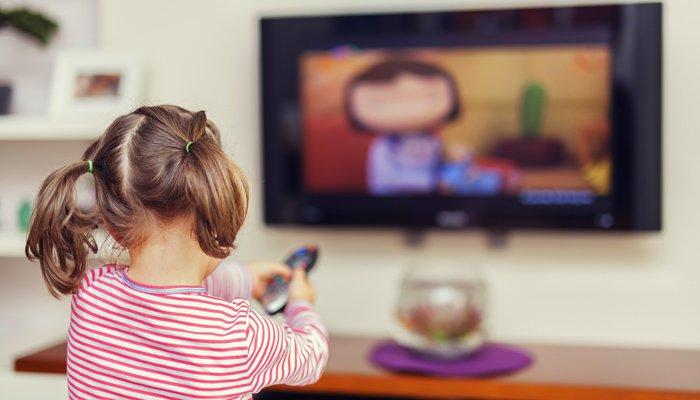 Колко време за гледане на телевизия да позволим на детето според възрастта?  - Roditel.bg - Списание Родител