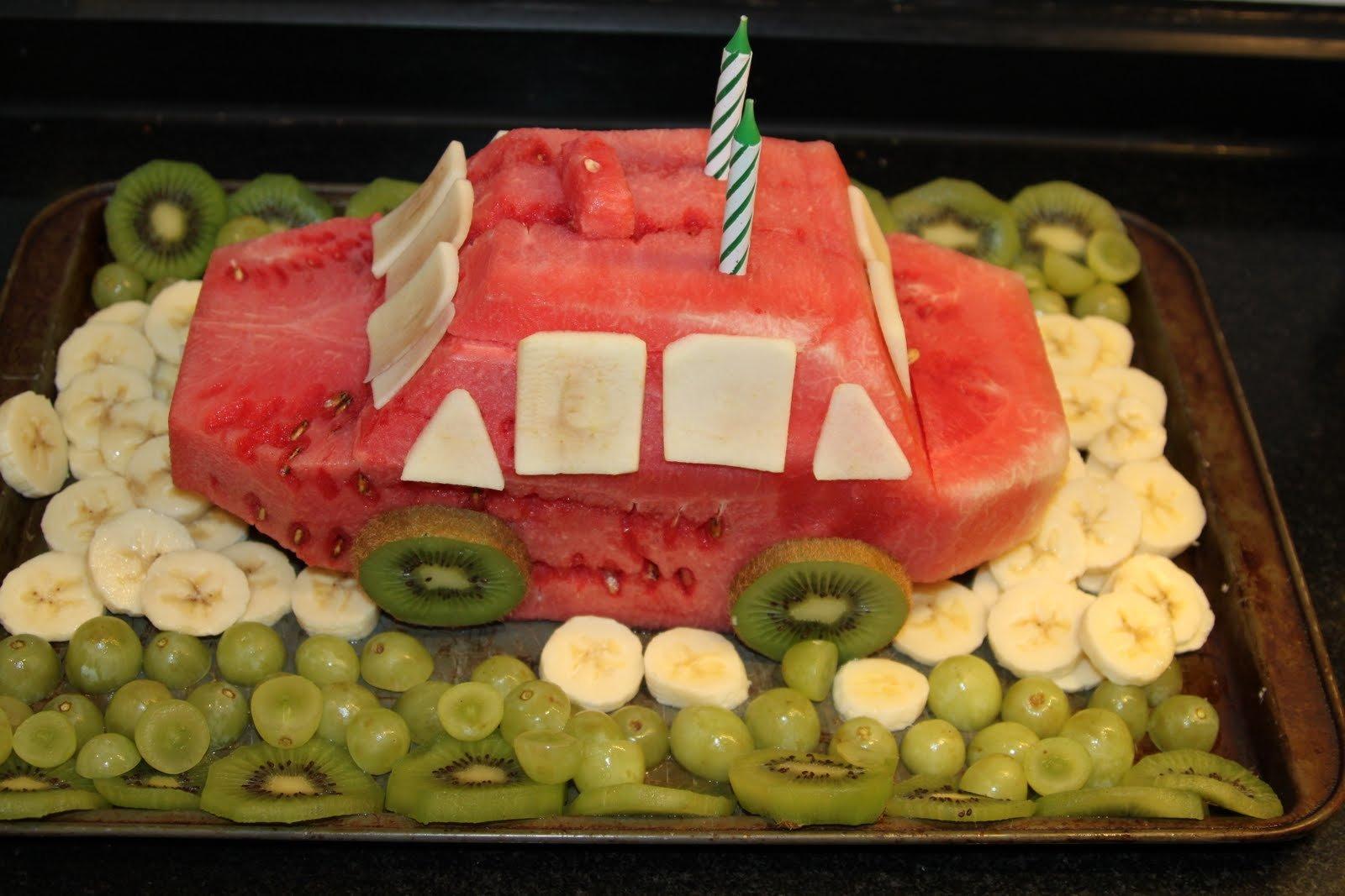 плодова торта за рожден ден