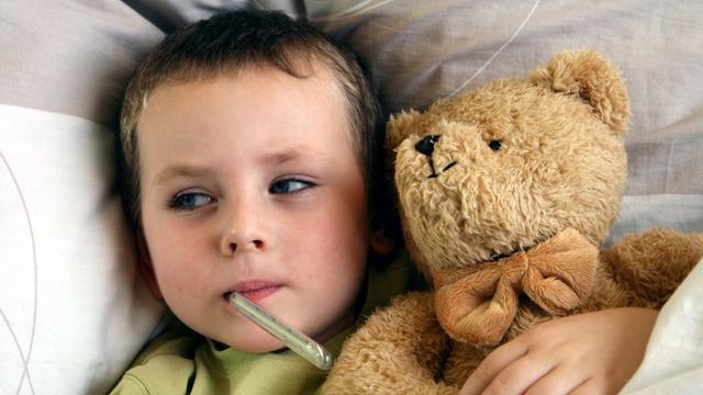 дете температура настинка грип