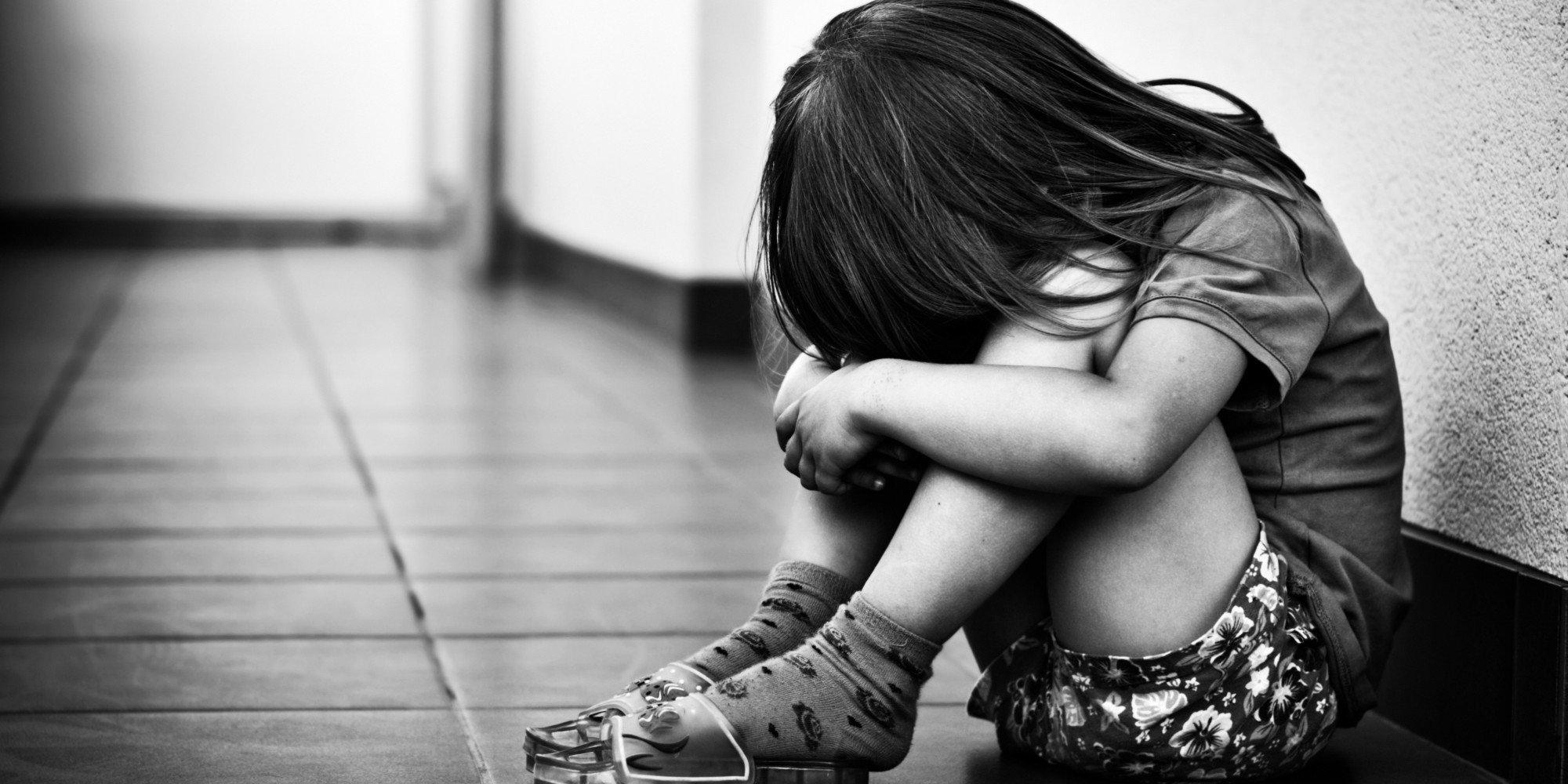 дете тъга сълзи шамар