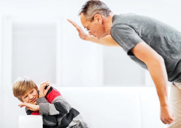 шамари дете баща бой възпитание