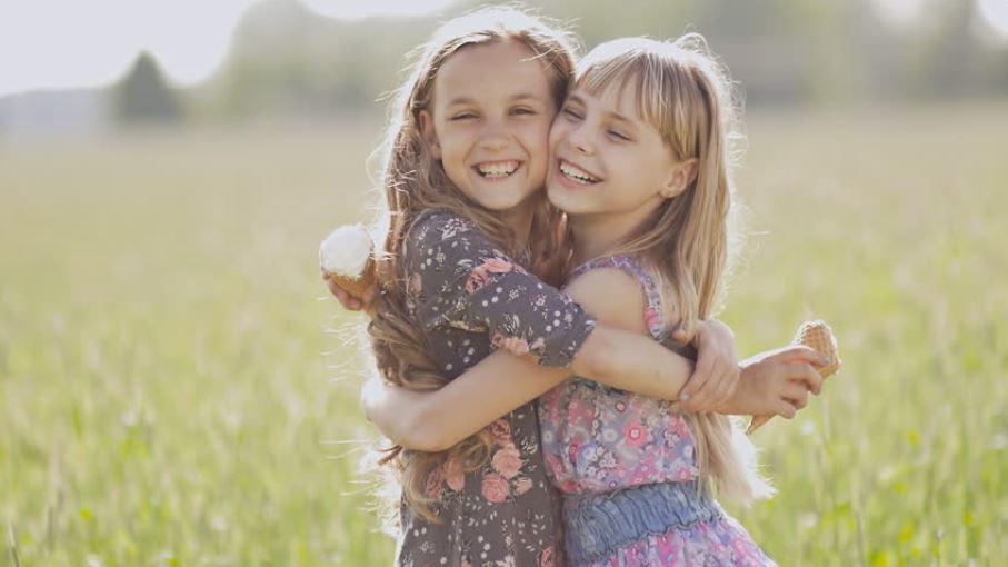 любов между сестри