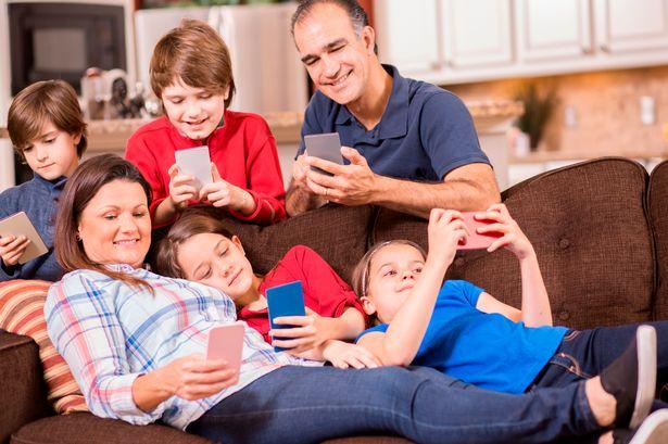 мобилни телефони деца семейство