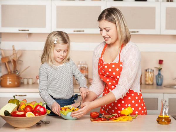 дете готви готвене