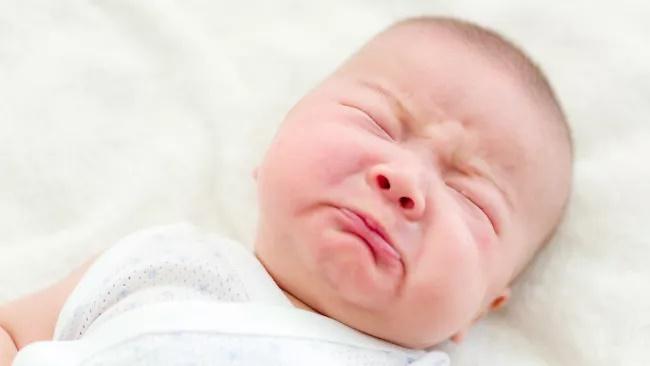 сълзи изпотяване бебе