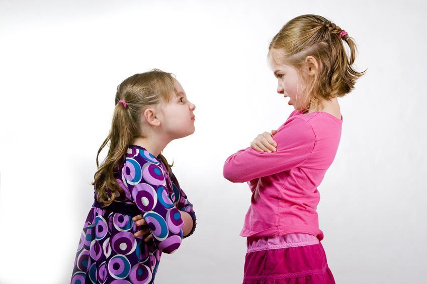 караница деца спор кавги